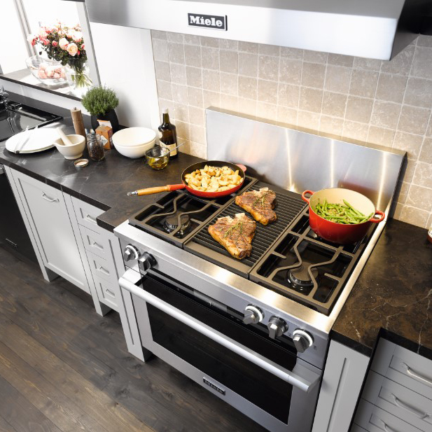 Miele 36in Stove and range hood, Cooking 36 inch range with grill